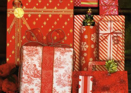 25 Days of Christmas: Decorate with Red!