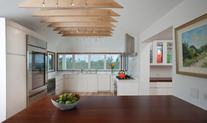Four Fabulous Kitchens: Simply Chic