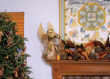 Five Festive Mantels: Naturally Beautiful